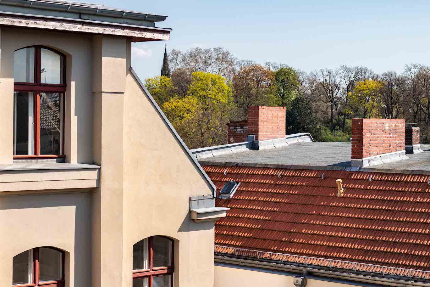 Office on rooftop with 3 rooms in Kreuzberg 28