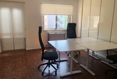 Subleasing office in Lisbon 2