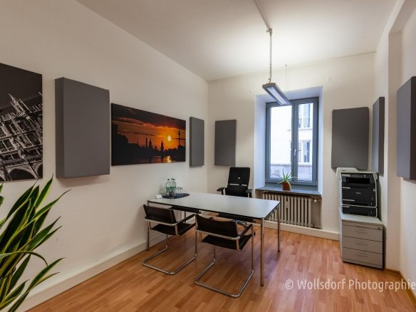 Central ! private office room 15 - 30 m² or desk 88