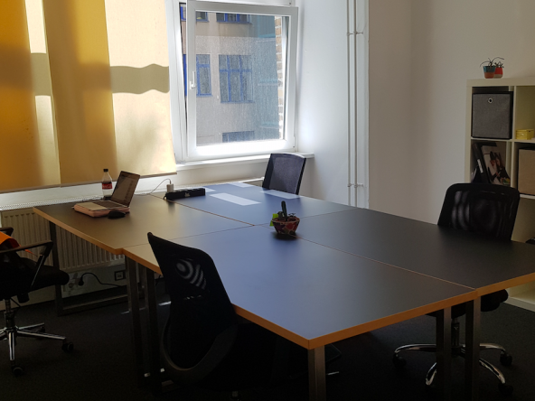 4-person team/private office in cultural creative coworking space 4