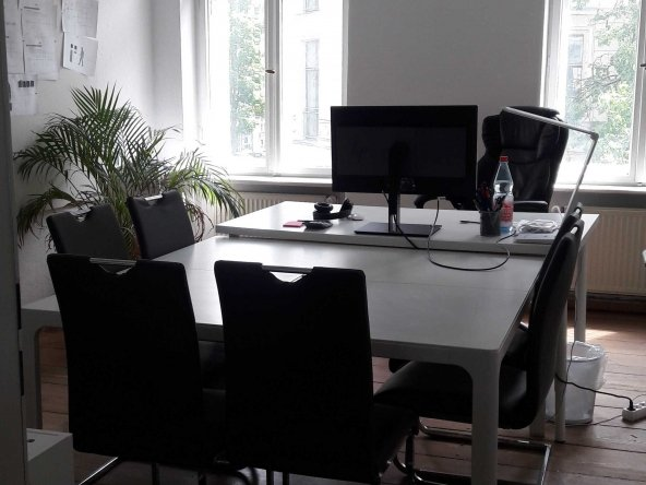 20m² (up to 4-5 working places) Private Office Room in Mitte 28
