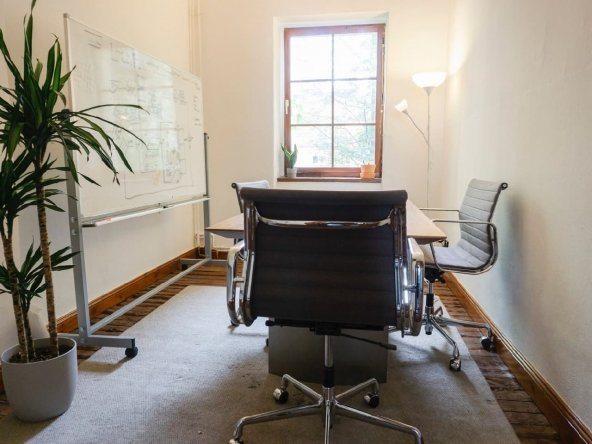 Büro mit Altbau-Charme in Berlin-Mitte, nah am Rosenthaler Platz & Highspeed Glasfaser Internet 12