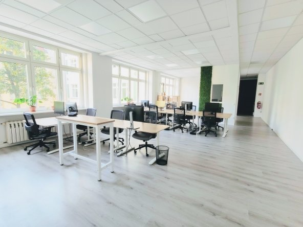 Modern and Lofty Office Space in Prenzlauer Berg! 8